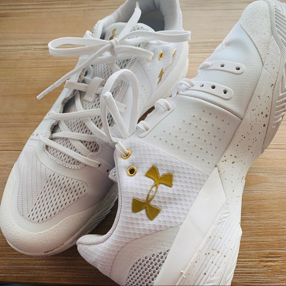 Under Armour Shoes   Under Armor White